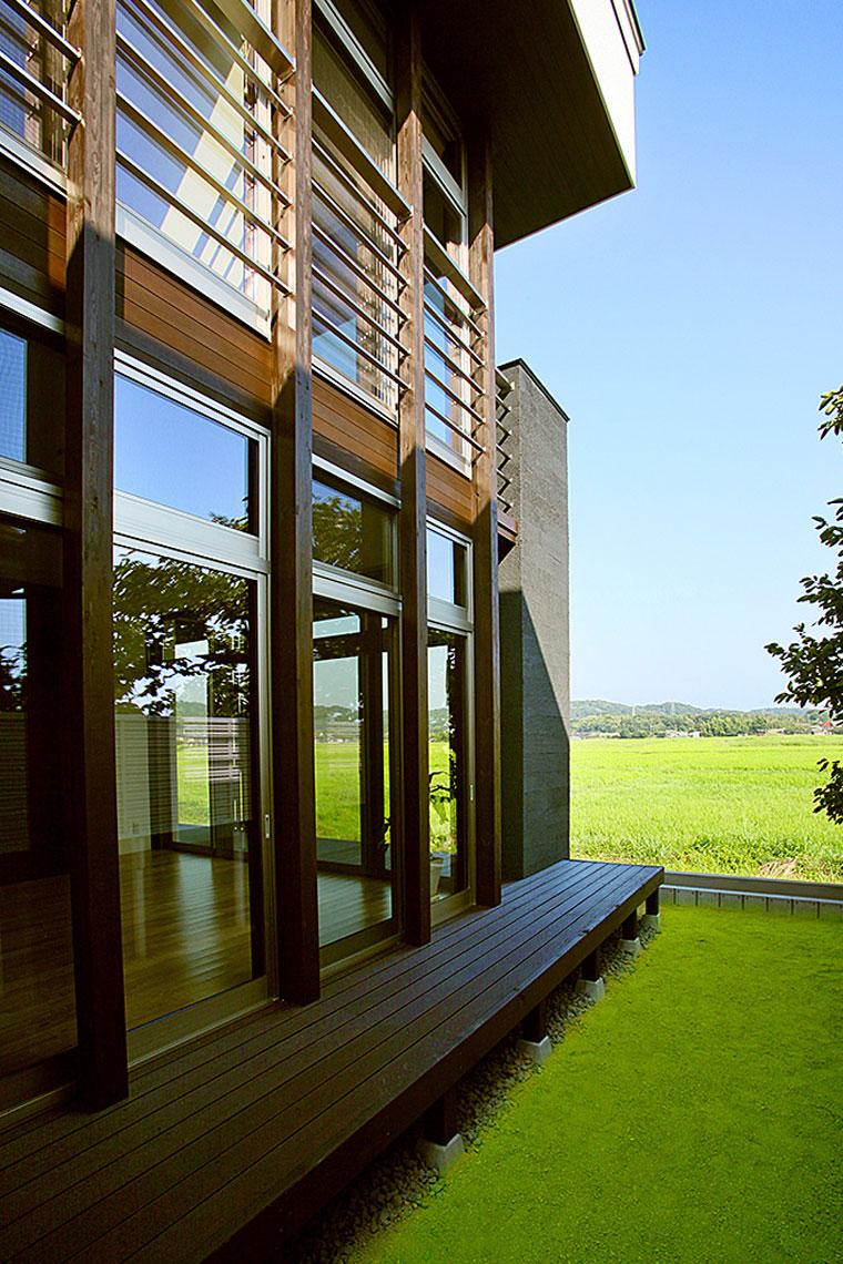 田園風景を望む家